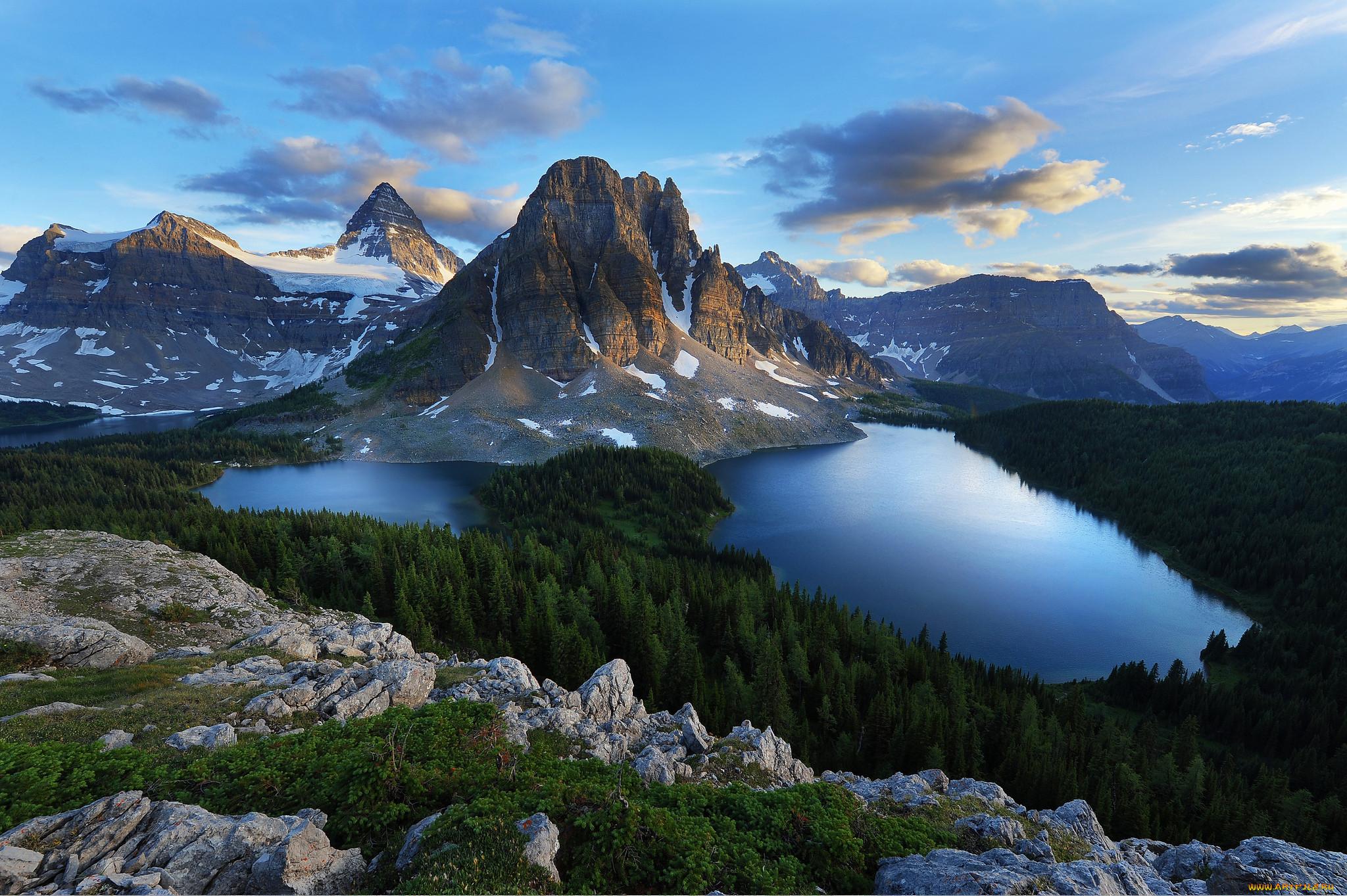Природа реки озера пейзаж лес горы